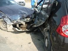 На Кокшайском тракте столкнулись две иномарки, есть пострадавшие